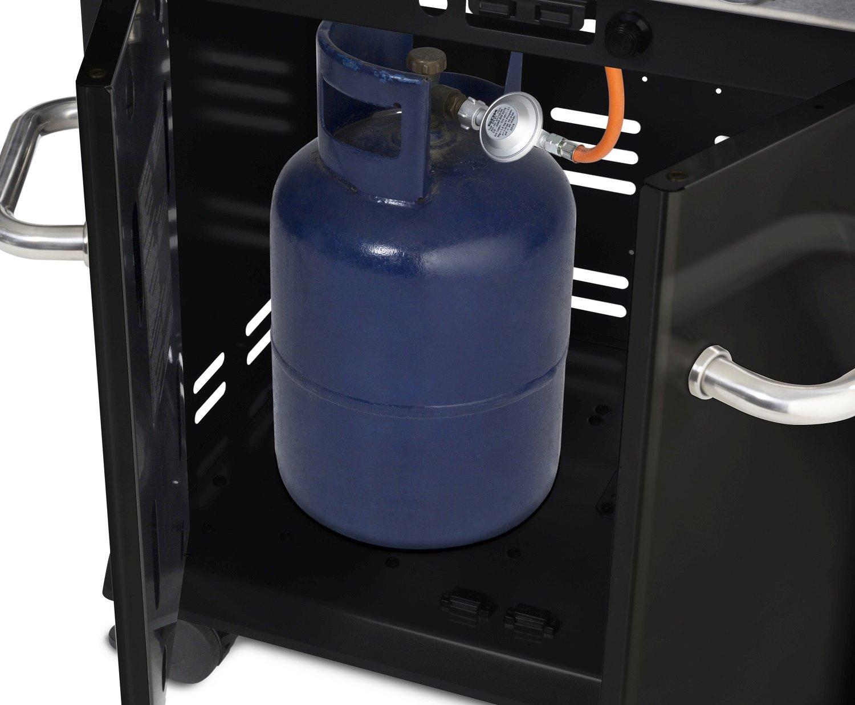 Zamykana szafka w podstawie grilla